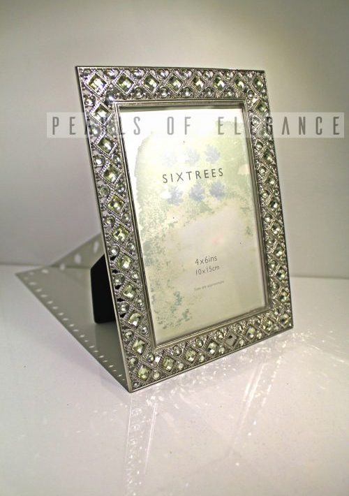CHARLOTTE FRAME | Pearls of Elegance
